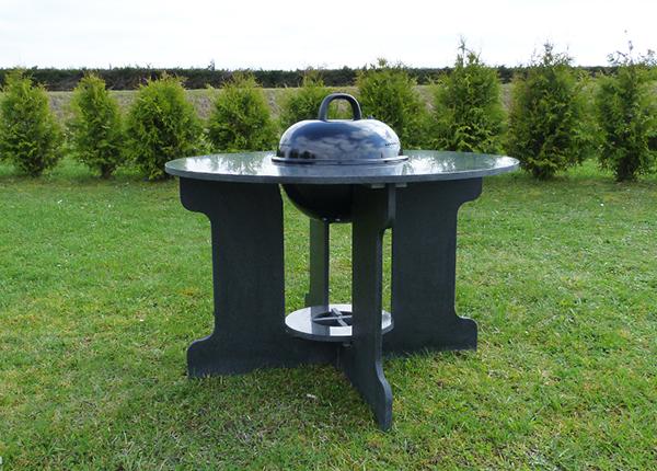 Graniitti puutarhapöytä grillillä