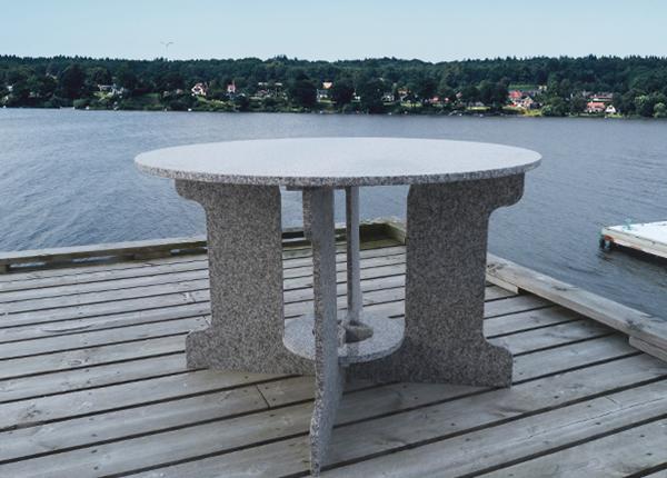 Graniitti puutarhapöytä