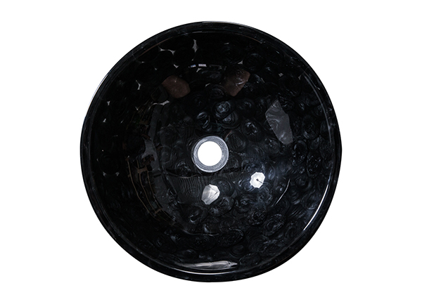Pesuallas kivillä GM-136752