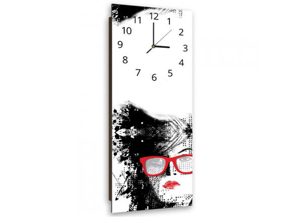 Pildiga seinakell Woman with glasses