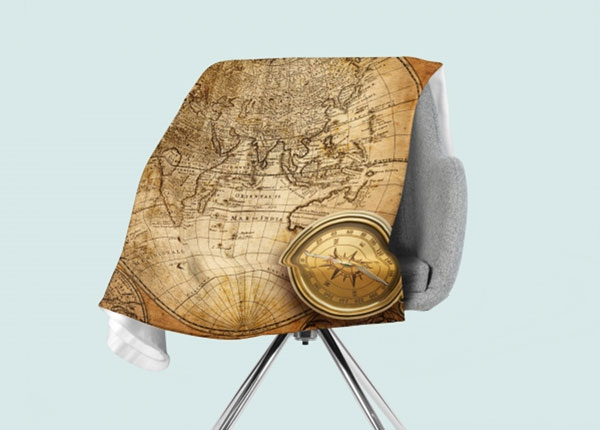 Fleecepeitto Old compass on the Map 130x150 cm ED-146548