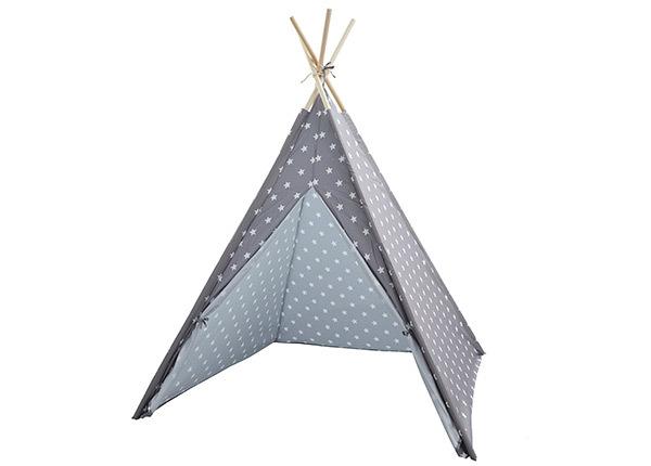 Lasten tiipii teltta tähdillä
