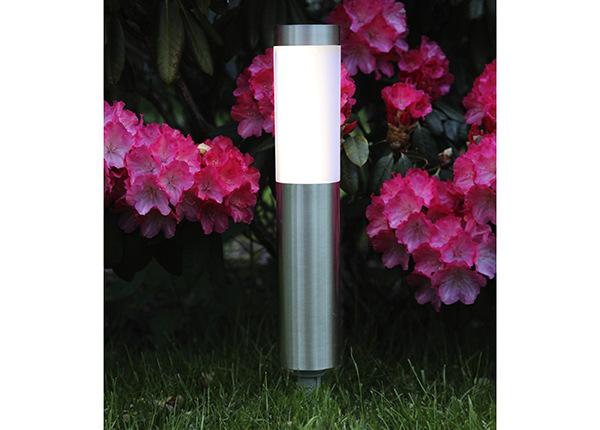 Puutarhavalaisin aurinkopaneelilla AA-152996