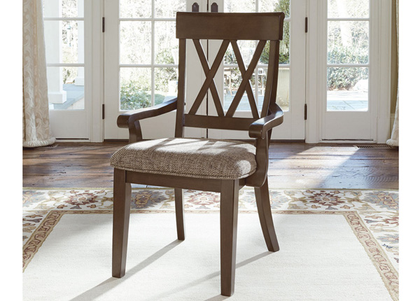 Käetugedega tool