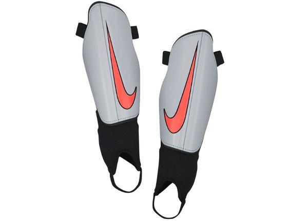 Miesten jalkapallon säärisuojat Nike Charge 2.0 M SP2093-021