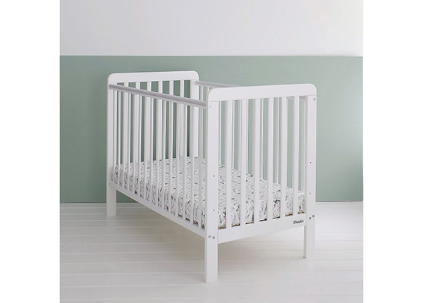 Детская кроватка Britton Classic 120x60 см