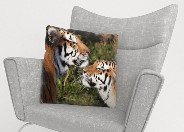 Декоративная наволочка Tigers Devotion 40x40 см