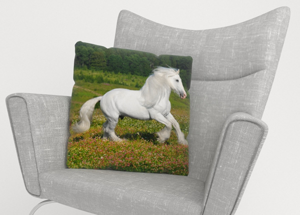 Koristetyynyliina White Horse