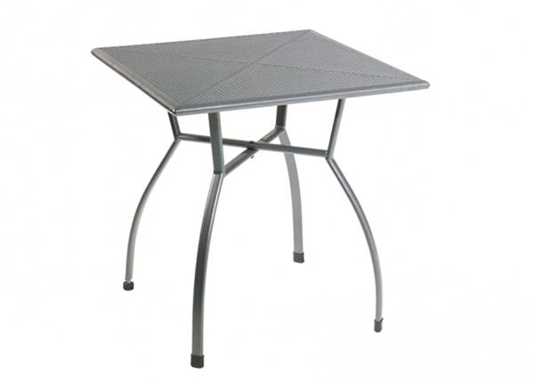 Puutarhapöytä