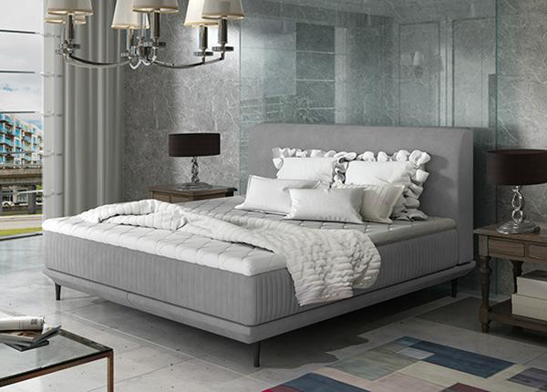 Madratsiga voodi 140x200 cm
