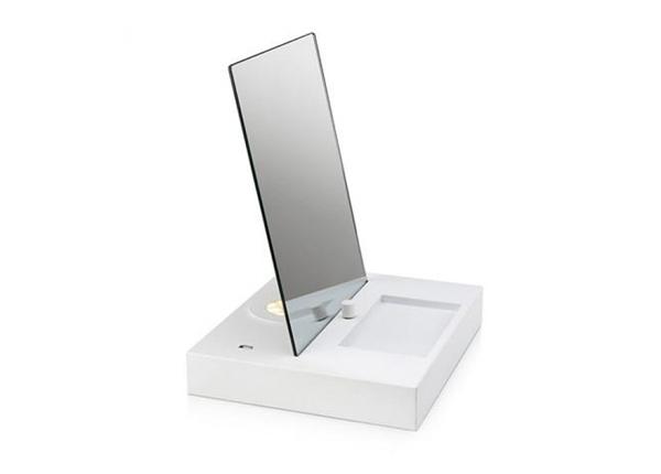 Pöytäpeili LED taustavalolla ja USB pistorasialla
