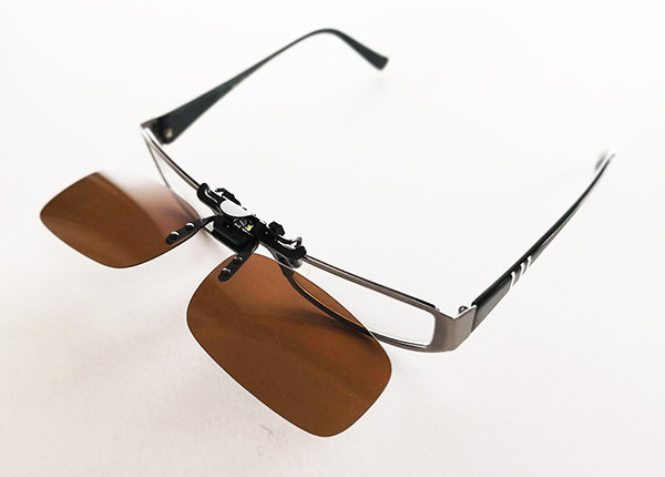 Polaroidut ruskeat linssit silmälaseihin