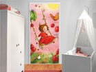 Fototapeet Strawberry Fairy - Treeswing 100x210cm