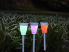Aurinkoenergialla väriä muuttava LED puutarhavalaisin, 3 kpl AA-90652