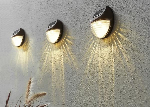 Päikesepaneeliga seinavalgustikomplekt 3tk AA-109544