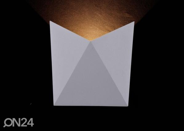 Настенный светильник Beekman EW-131651