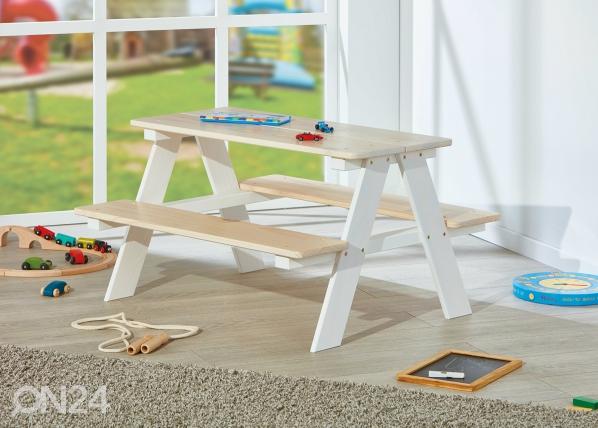 Lasten pöytä penkeillä AY-147557