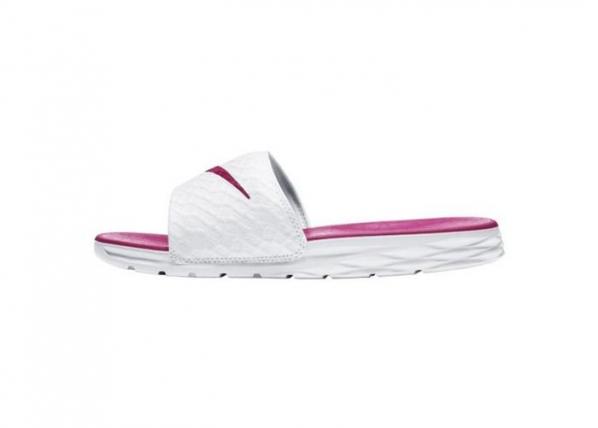 Aikuisten sandaalit Nike Benassi Solarsoft Slide TC-162618