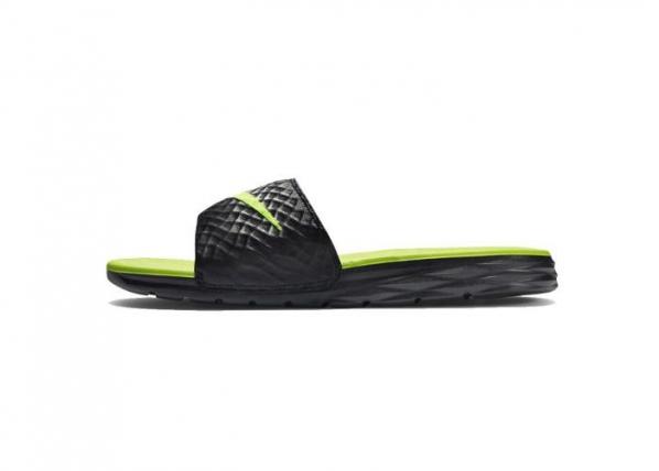 Aikuisten sandaalit Nike Benassi Solarsoft Slide TC-162670