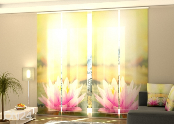 Затемняющая панельная штора Pink Lotus at a Morning Sun 240x240 см ED-189448