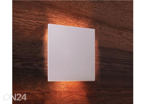 Seinävalaisin RELONO LY-80213
