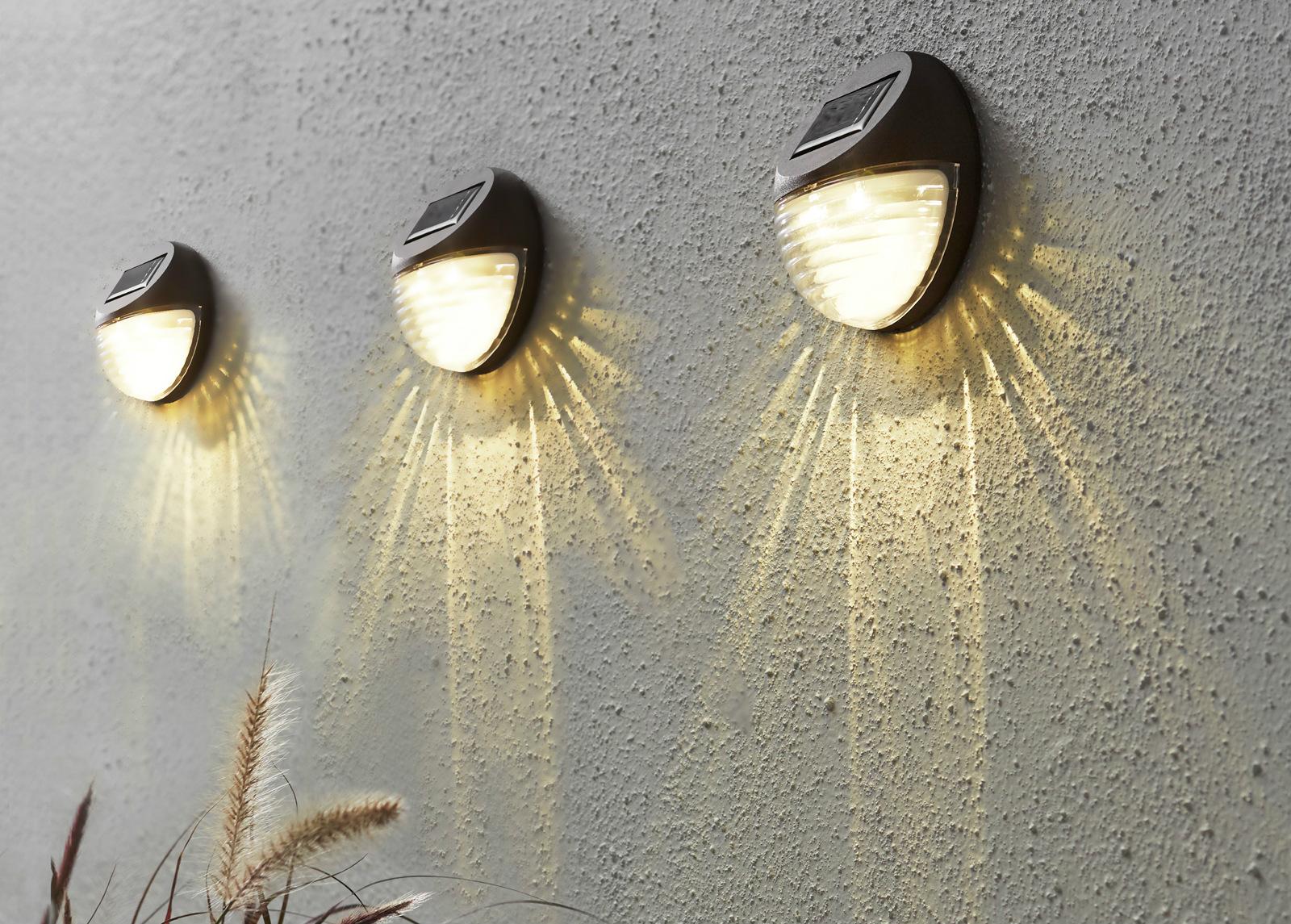 Seinävalaisimet 3 kpl aurinkopaneelilla