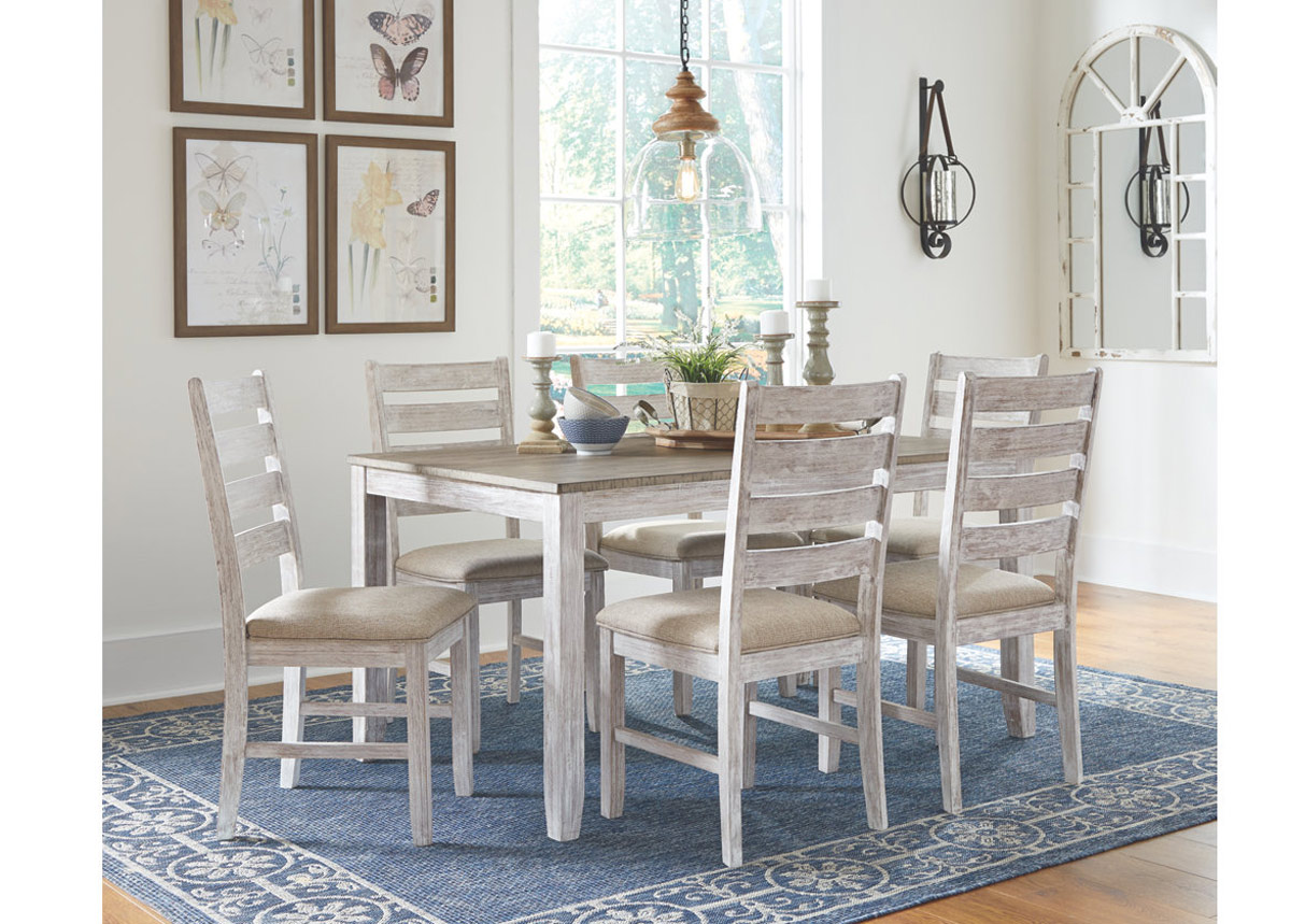 Ruokapöytä + 6 tuolia