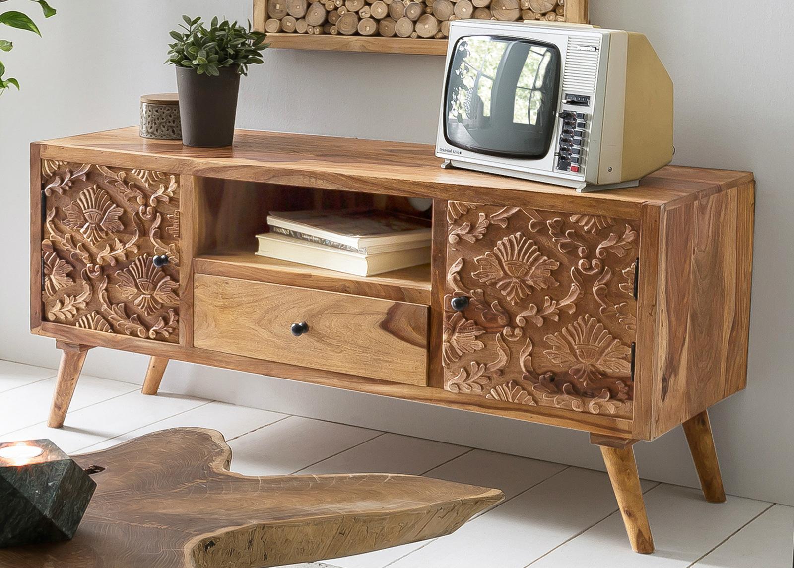 TV-taso Carved