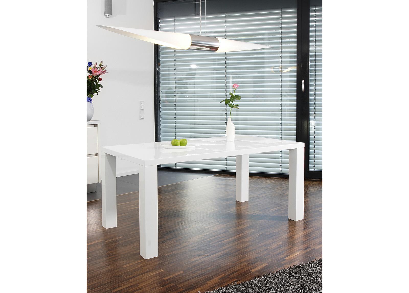 Korkeakiiltoinen ruokapöytä 90x160 cm