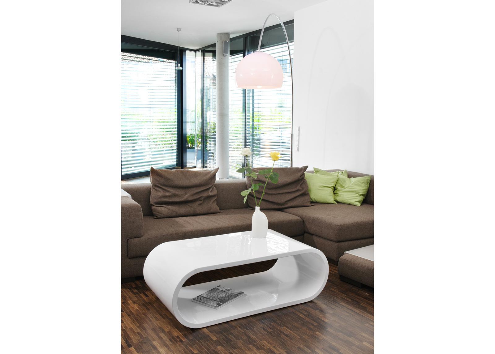 Korkeakiiltoinen sohvapöytä 120x60 cm
