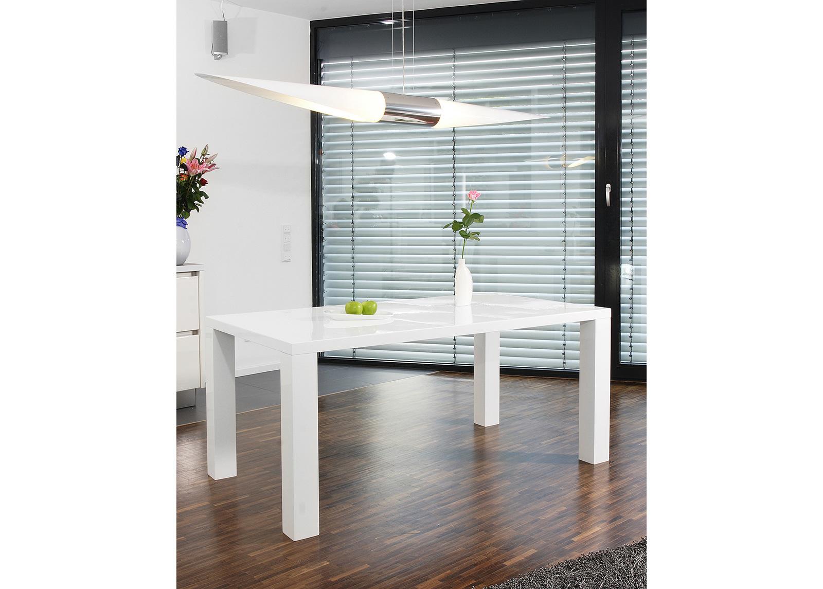 Korkeakiiltoinen ruokapöytä 90x140 cm