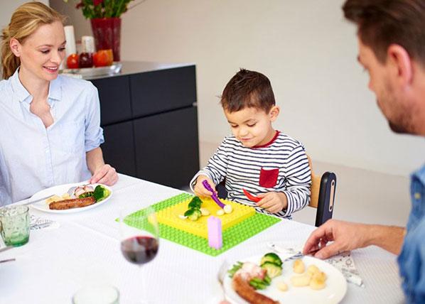 Lasten ruokailualusta Placematix